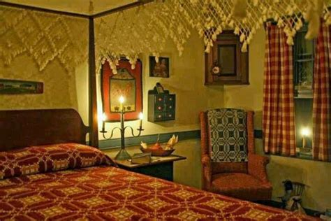 Eye For Design Decorating Colonialprimitive Bedrooms