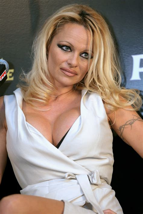 pamela anderson leaked    celebrity