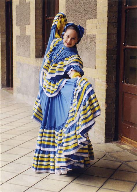Jalisco Vestidos tipicos de mexico Traje típico