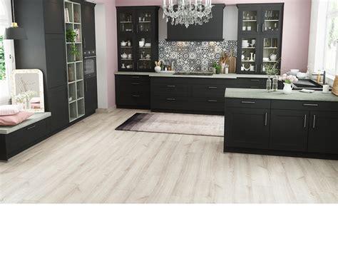 plan de travail cuisine cuisinella cuisine équipée meubles de cuisine et accessoires de