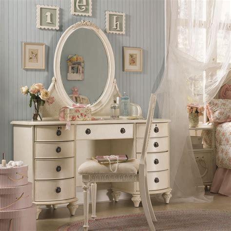 small furniture vanity stool design featuring laminate