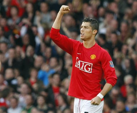 manchester united transfer rumour cristiano ronaldo jeers