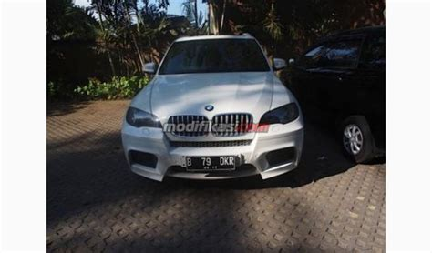 Modifikasi Bmw X5 M by Bmw X5m Putih Tahun 2012