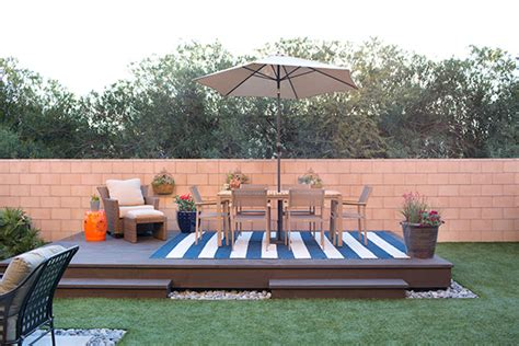 floating deck plans add visual appeal   backyard