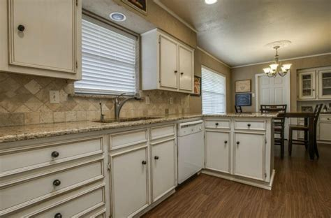 Backsplash Ideas For Kitchens With Granite Countertops - updated north dallas ranch has saltwater pool candy 39 s dirt
