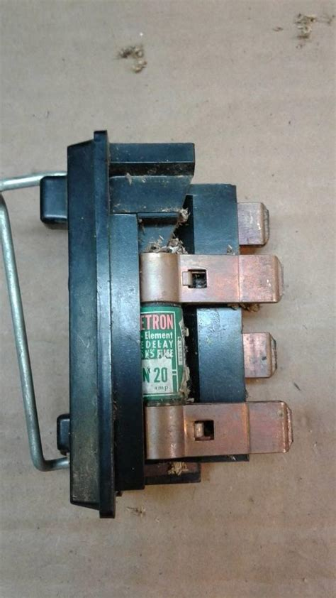 Vintage Wadsworth Fuse Box by Wadsworth Pull Out Fuse Holder Tyres2c