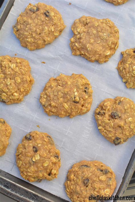 A recipe that doesn't replace sugar with honey or loads of cream and fat. Sugar Free Oatmeal Cookies With Honey (VIDEO) | Chef Lola ...