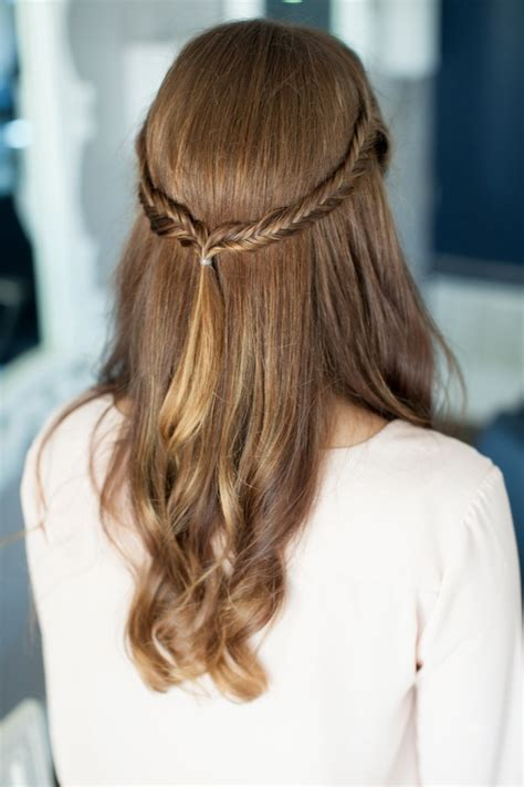 Pretty Simple :: Half Up Fishtail   Camille Styles