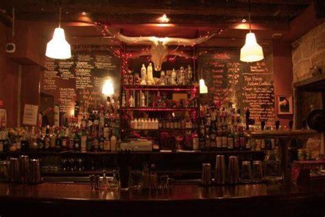 le red house  bis rue de la forge royale  bars