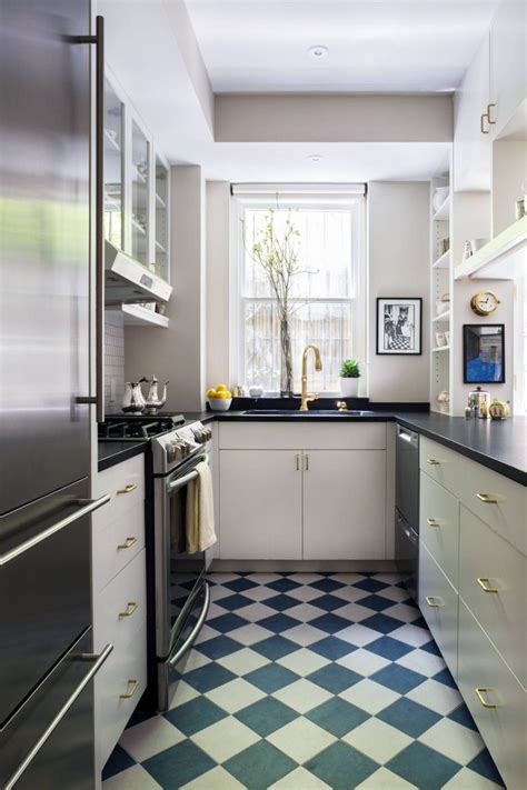 If you are planning to have a new installation of a small room, then this set of ideas can be right up your galley. 60 amazing small kitchen design ideas - image 19   Galley ...