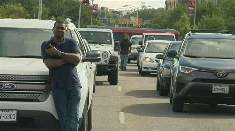 Anti-Kavanaugh protesters shut down Lamar Blvd bridge | KEYE