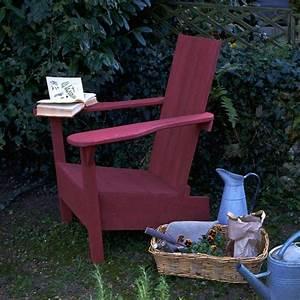 Fauteuil Jardin Bois : un fauteuil de jardin en bois rouge marie claire ~ Teatrodelosmanantiales.com Idées de Décoration