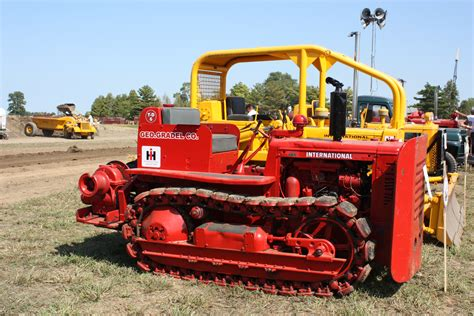 International Harvester Crawler Tractors
