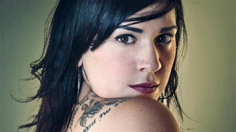Carla Morrison Hits No. 1 With Kinky