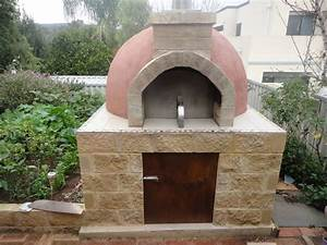 Construction of a Pompeii Wood Fired Pizza Oven - YouTube