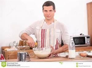 Man Cooking Royalty Free Stock Image - Image: 35393186