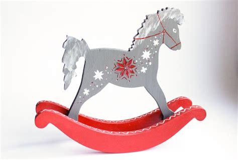 Hand-painted wooden rocking horse / apgleznots koka ...