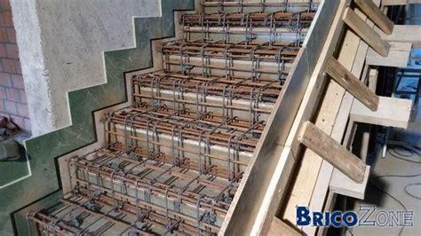 comment coffrer un escalier escaliers b 233 ton cr 233 maill 232 re 12 cm