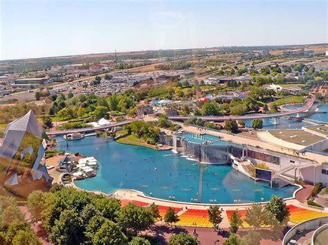 locations de vacances au parc du futuroscope et ses environs