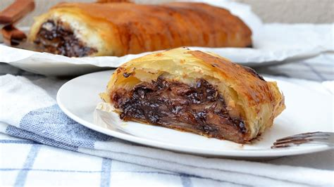 At long last, we're finally going to post a baklava video, which i decided to make a lot harder, by making the filo. Chocolate Apple Strudel - Easy Apple Strudel Recipe with Phyllo Dough - YouTube