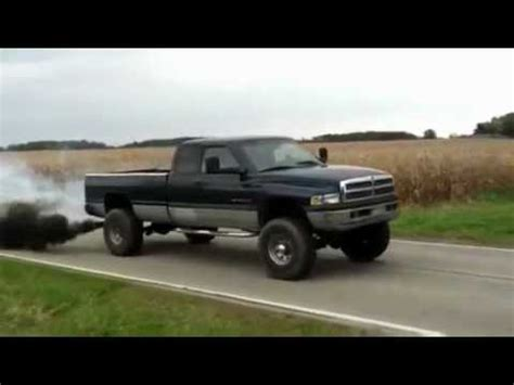 cummins charger rollin coal cummins 5 9 rollin coal burnout youtube