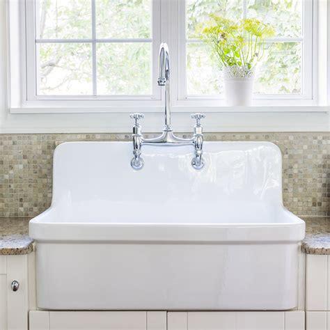evier retro cuisine robinet de cuisine rétro l 39 accessoire déco tendance but