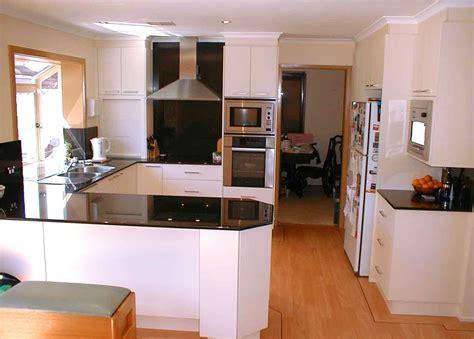 kitchen layouts ideas kitchen remodel on pinterest 10x10 kitchen kitchen floor plans and kitchen designs