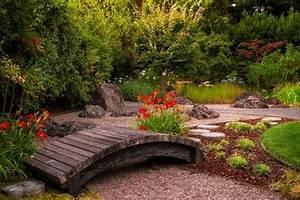Pont En Bois Pour Jardin : pont de jardin original pour embelir de plus votre espace vert jardin japonais zen ~ Nature-et-papiers.com Idées de Décoration