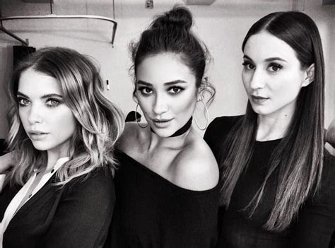 Pin on The Pretty Little Liars stars are so fashionable