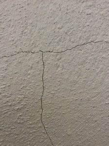 Risse In Wand : heck wall systems risse in der wand schnell und einfach beseitigt ~ Eleganceandgraceweddings.com Haus und Dekorationen