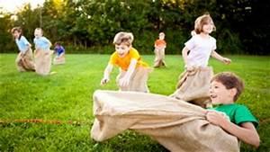 Jeux Exterieur Anniversaire : des id es de jeux pour les f tes d 39 enfants activit s en famille canal vie ~ Melissatoandfro.com Idées de Décoration