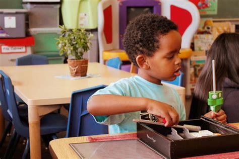 montessori preschool for 20 low income children globalgiving 205 | pict grid7