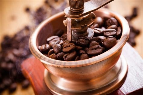 After the beans have been roasted, they outgas carbon dioxide for about 72 hours. The 5 Best Coffee Grinders in 2020 - Top5