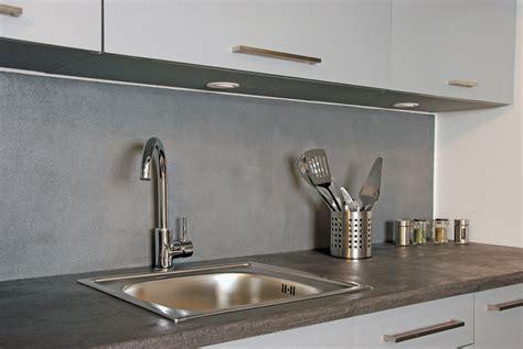 plan de travail cuisine gris anthracite béton minéral intérieur résinence