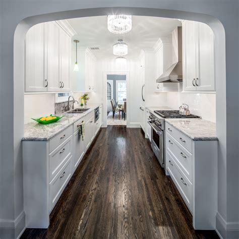 cuisine avec plan de travail noir cuisine cuisine grise plan de travail noir avec or