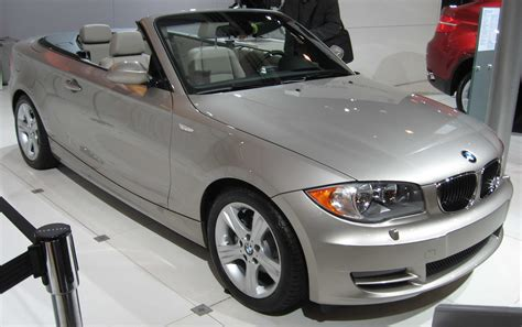File:BMW 1-Series convertible NY.jpg - Wikimedia Commons