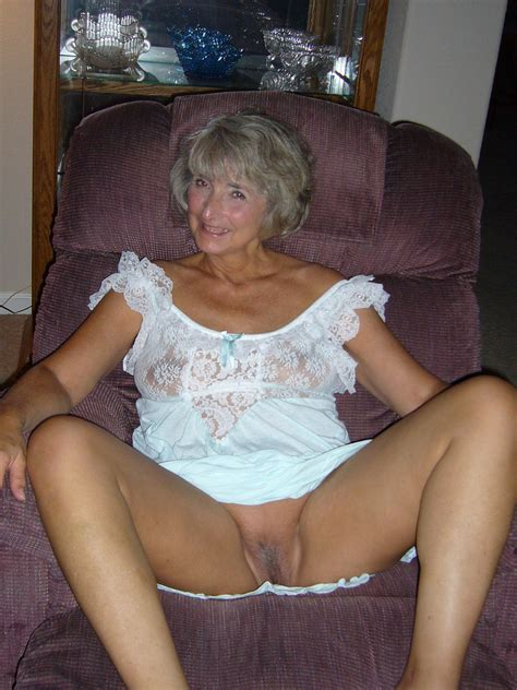 001 In Gallery Lustful Amateur Granny Picture 1