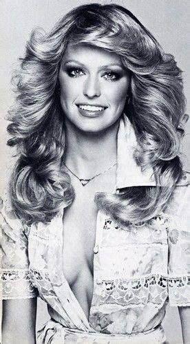 It is farrah fawcett feathered hair. Farrah Fawcett   Disco hair, 70s disco hairstyles, 1970s ...