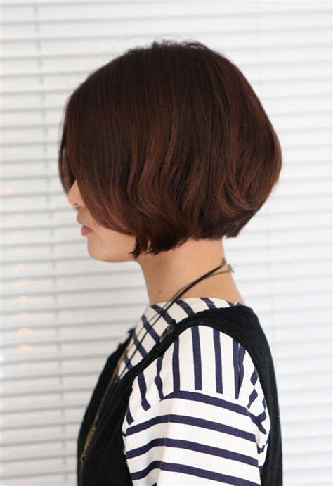 korean hairstyle  pretty center parted bob haircut