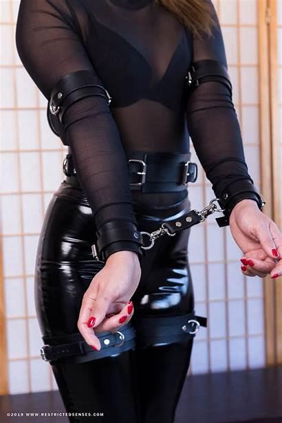 Bondage Cuffs Leather Italian Cuff Premium Snap