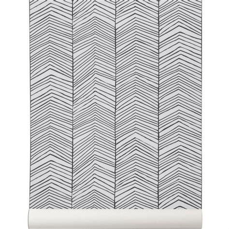 bureau design blanc papier peint noir et blanc herringbone de ferm living
