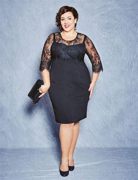 elegantes schwarzes kleid mit spitzen  grossen groessen