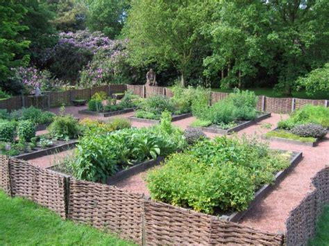 Den Garten Individuell Gestalten Kräutergarten Anlegen