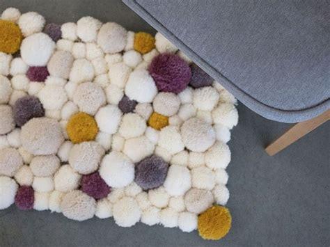 Pom Pom Teppich 25 Unique Pom Pom Rug Ideas On Pom Pom Mat Diy And Diy And Crafts