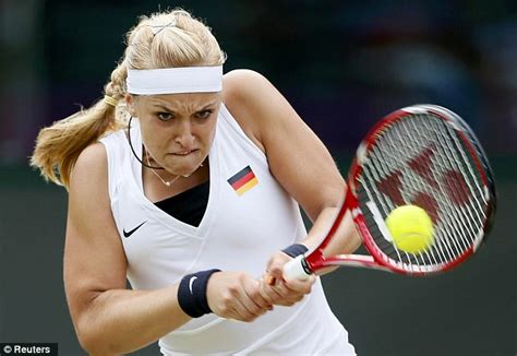 london  olympics maria sharapova beats sabine lisicki