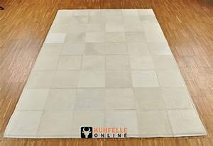 Kuhfell Teppich Weiß : exklusiver kuhfell teppich weiss 180 x 120 cm kuhfelle online ~ Frokenaadalensverden.com Haus und Dekorationen