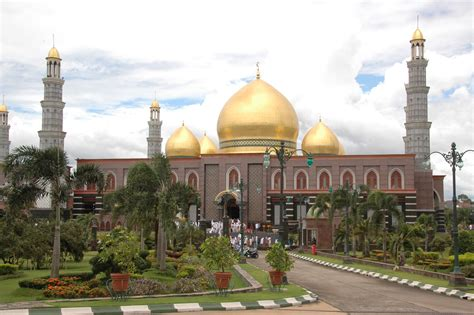masjid  indonesia  mirip bangunan megah  negara lain