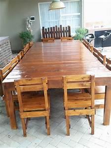 Table 16 Personnes : sixteen seater pallet dining table pallet furniture ~ Teatrodelosmanantiales.com Idées de Décoration
