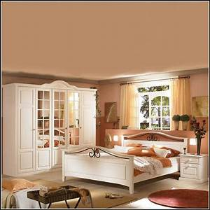 Schlafzimmer Landhausstil Weiß : schlafzimmer landhausstil wei kaufen schlafzimmer house und dekor galerie pjapkxng5x ~ Markanthonyermac.com Haus und Dekorationen