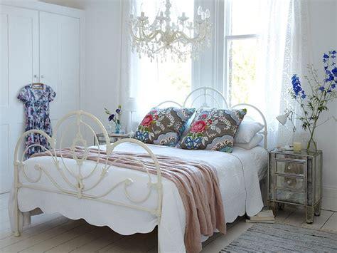 chambre style shabby des idées pour décorer sa chambre avec un style shabby